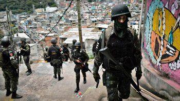 rio de janeiro: impactantes imagenes del brutal operativo policial que dejo mas de 20 muertos en una favela
