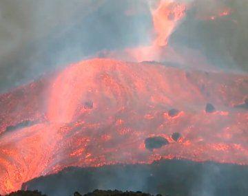 Impresionantes imágenes del desborde de lava en La Palma