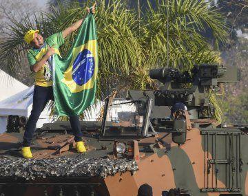 Brasil: ante seguidores cada vez más radicalizados