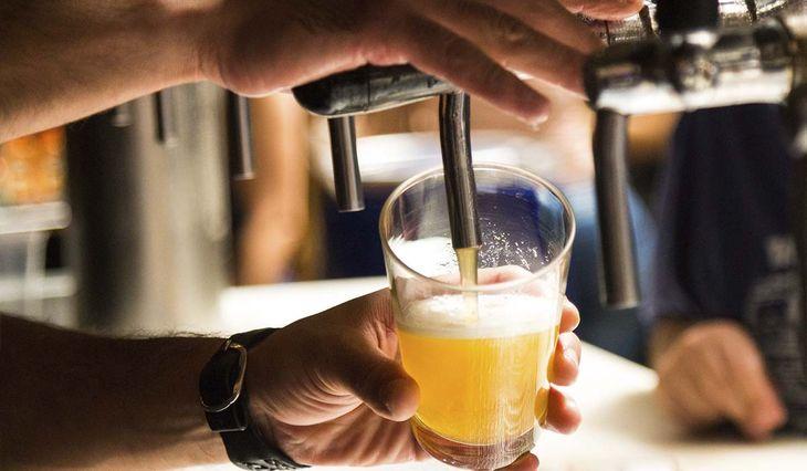 Clausuraron una cervecería en La Plata por otra fiesta clandestina