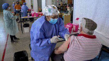 ampliacion de la poblacion objetivo: asi se vacuna en la argentina