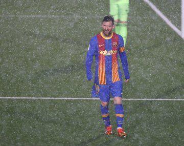 El video de Lionel Messi tiritando de frío en el Real Madrid - Barcelona