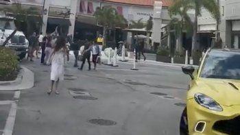 tiroteo en aventura mall: al menos cinco heridos