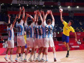 Argentina hizo un partidazo, pero cayó ante Brasil y quedó eliminada en handball