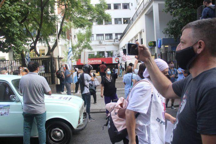 Caravana de enfermeros del hospital Fernández y del Gutiérrez - Crédito: Ignacio Petunchi