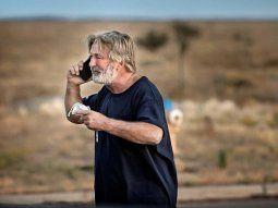 Caso Alec Baldwin: la policía encontró más balas en el rodaje pero no presentarán cargos