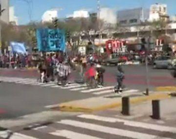 Caos de tránsito en la 9 de Julio por una marcha de la izquierda