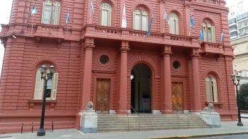 pese a la prohibicion de despidos, concejal macrista de rosario llama a reducir el personal municipal