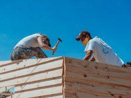Construcción de viviendas de emergencia - @TECHOarg