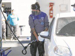 ypf aumenta hoy por ultima vez en el ano la nafta: sube un 5%
