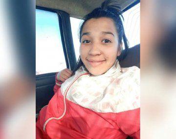 Neuquén: una joven estaba en su habitación con su hijo cuando una bala entró por la ventana y la mató