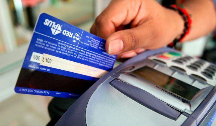Tarjetas de crédito: El BCRA redujo el plazo para que los bancos liquiden los pagos a pequeños comercios