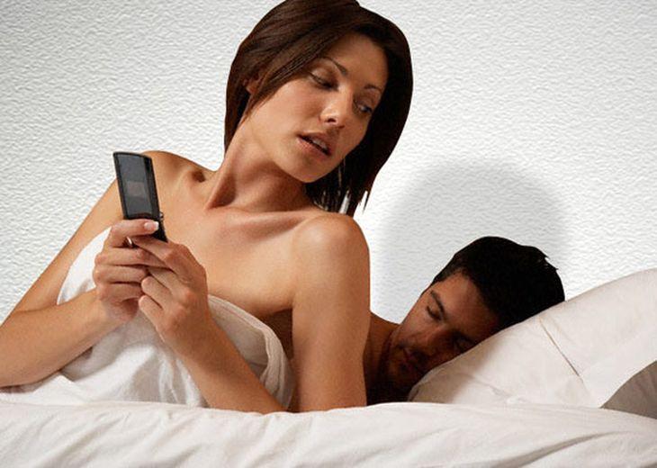 Decepcionados por San Valentín, el 15 de febrero salen a buscarse una amante en Internet