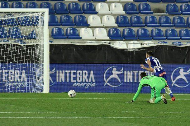 Barcelona reaccionó y empata con Alavés